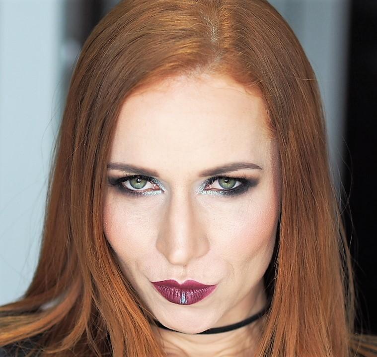 Agata, makijaż do okładki na jej autorską płytę